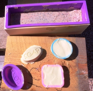 Taking soap out of the molds
